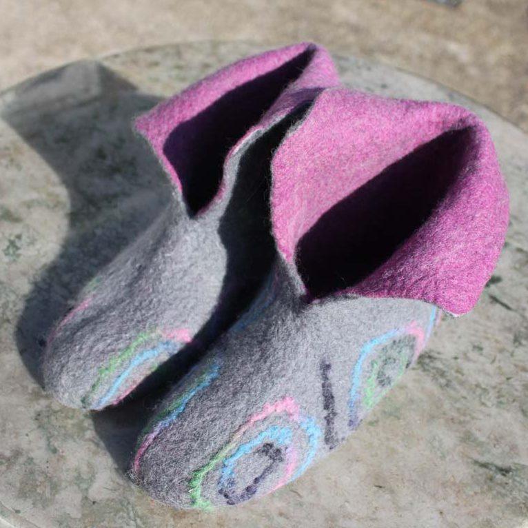 Schoenen vilten bij Kuulkes Kunst Atelier